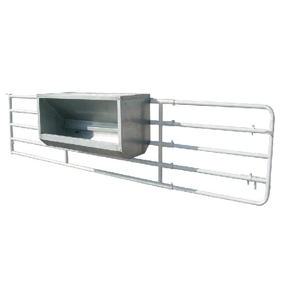 Nourrisseur à veaux galvanisé sur barrière, largeur 1,5 m