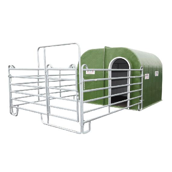 Box à chevaux 1 porte avec petit parc 3,66 m