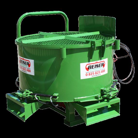 Malaxeur 800 litres avec boîtier hydraulique et 3 trappes de vidange hydrauliques