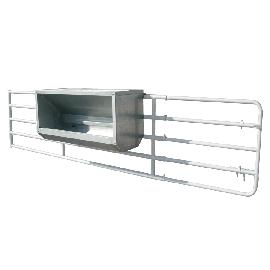 Nourrisseur à veaux galvanisé sur barrière, largeur 2 m
