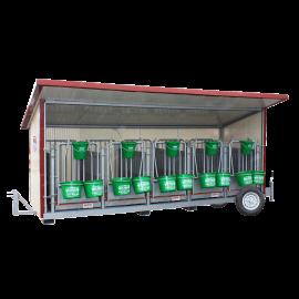 Box à veaux 5 places sur roues avec toit isolé + bardage isolé 40 mm et paroi PVC