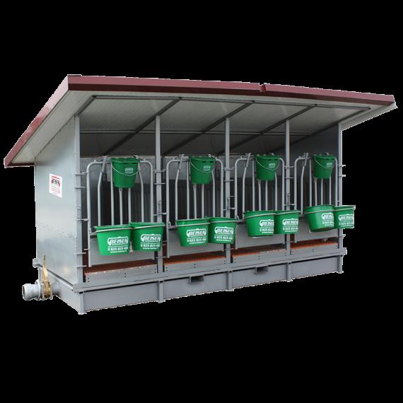 Box à veaux 2 places avec bac de rétention, toit isolé et parois PVC