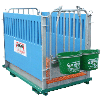 Calf box, 2 places max on frame for telescopic fences (grating and sides in polypropylene)