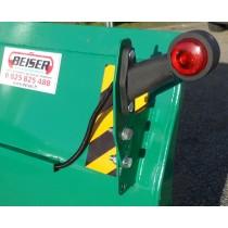 Eclairage droit et gauche pour lame niveleuse orientation hydraulique