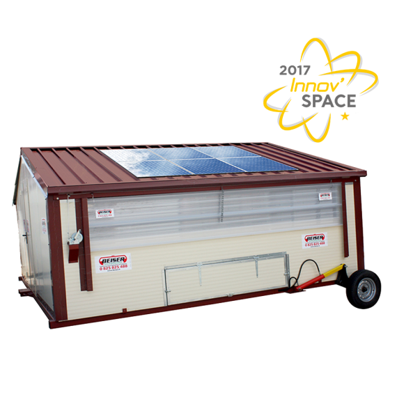 Hen 'Chicken coop building mobile kit with hydraulic lift 90 m2