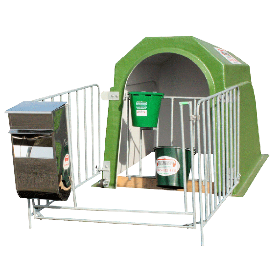 Complete individual calf hut with small wheels