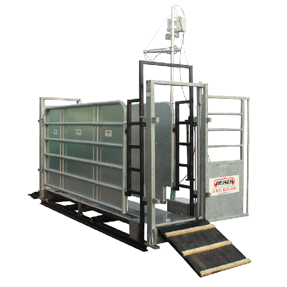 Hoof Bath with barriers - on frame for telescopic