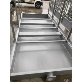 Auffangboden für 4 Platz Kälberbox mit Gülletankventil durchmesser 150 mm