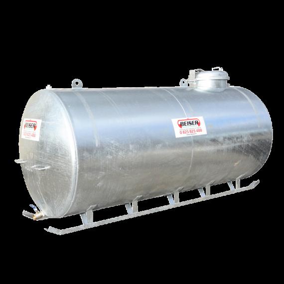 Verzinkter Tank auf Schienen 8000L