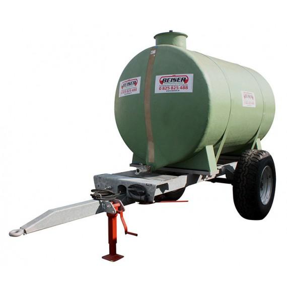 Polyestertank auf Fahrgestell, Fassungsvermögen 5 000 Liter