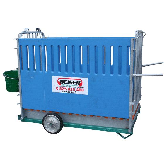 Kalverbox max. 2 plaatsen op wielen (roostervloer en wanden in polypropyleen)