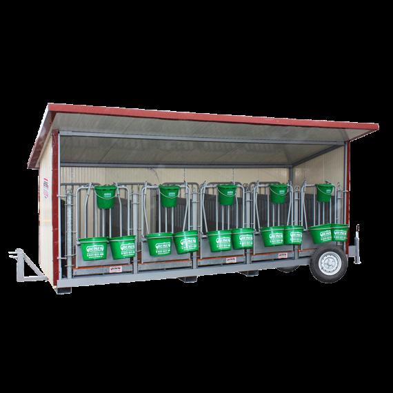 Kalverbox met 5 plaatsen op wielen met geïsoleerde wanden en geïsoleerd dak, 40 mmen PVC binnenwand